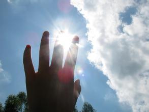 晒太阳对牛皮癣患者有好处吗